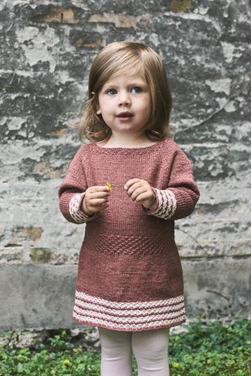 strikket pigetrøje opskrift