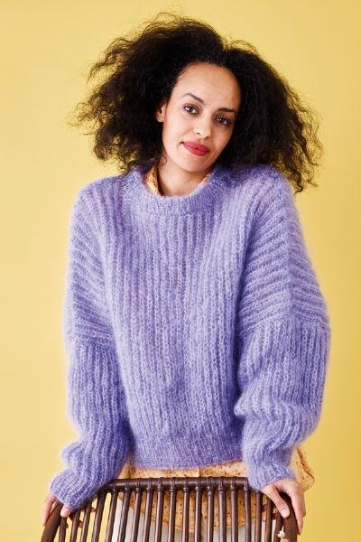 Patentstrikket sweater i Bella by Permin