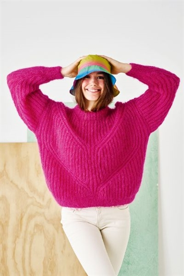 Patentsweater i Bella by Permin